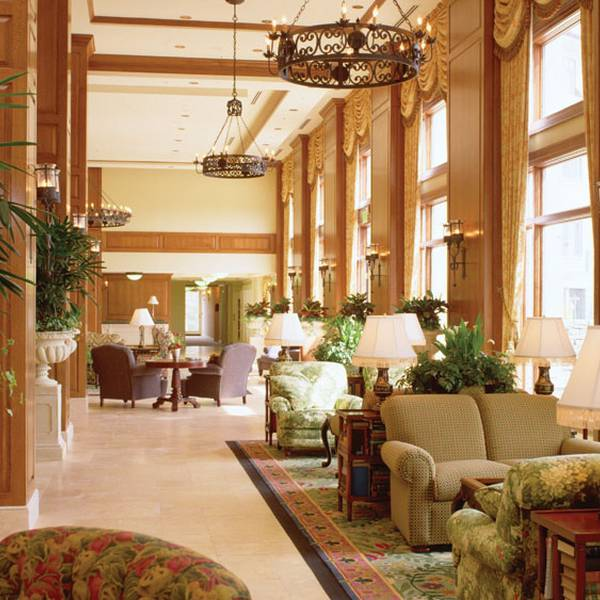 the Inn on Biltmore Estate lobby