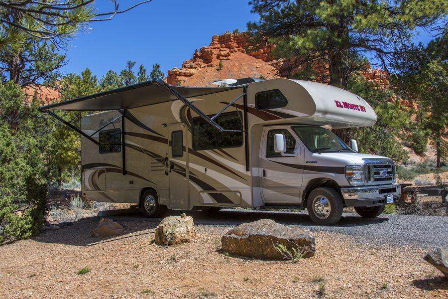 Kamperen met de camper in de Red Canyon, Utah