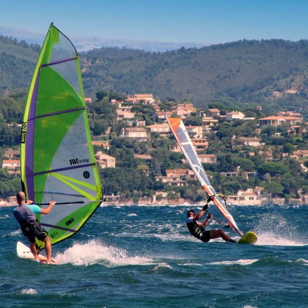 Windsurfen Saint Tropez Doets Reizen Afbeelding van (Joenomias) Menno de Jong via Pixabay   Frankrijk
