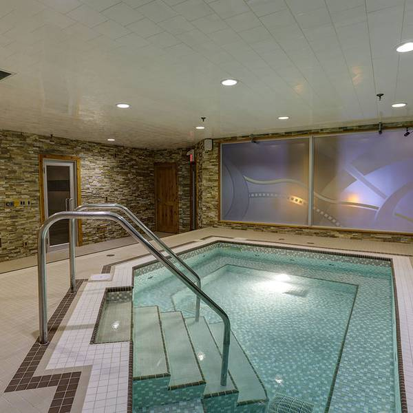 Banff Inn - pool