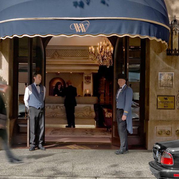 Wedgewood Hotel Vancouver - entree