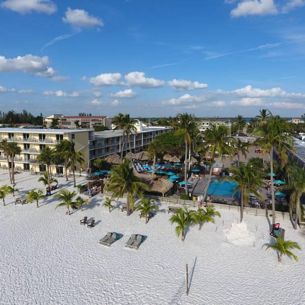 Outriggers Beach Resort - Beach