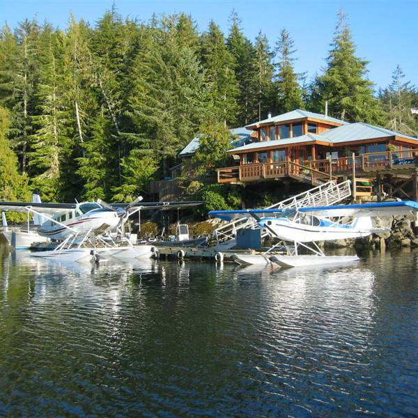 Farewell Harbour Lodge 01