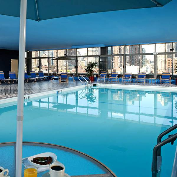 Skyline Hotel New York - pool