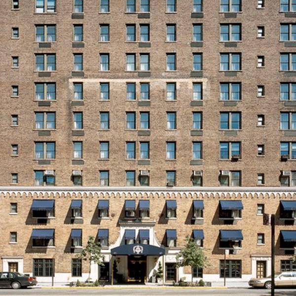 Excelsior Hotel - entree1