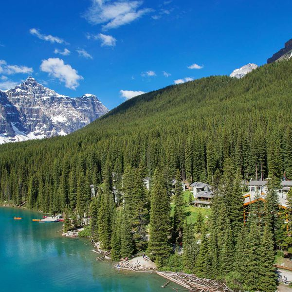 Moraine Lake Lodge - 1