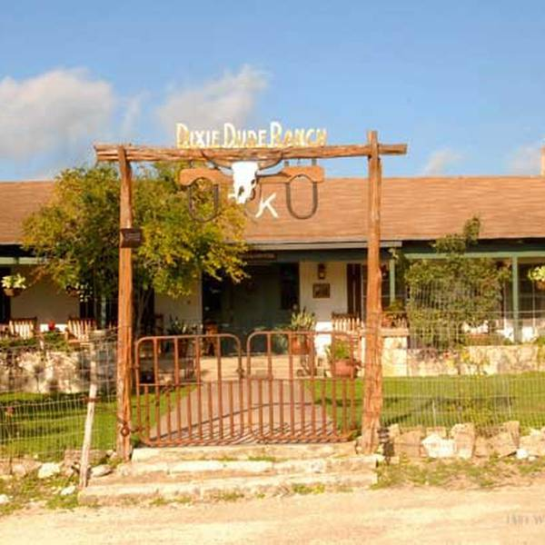 Dixie Dude Ranch - vooraanzicht