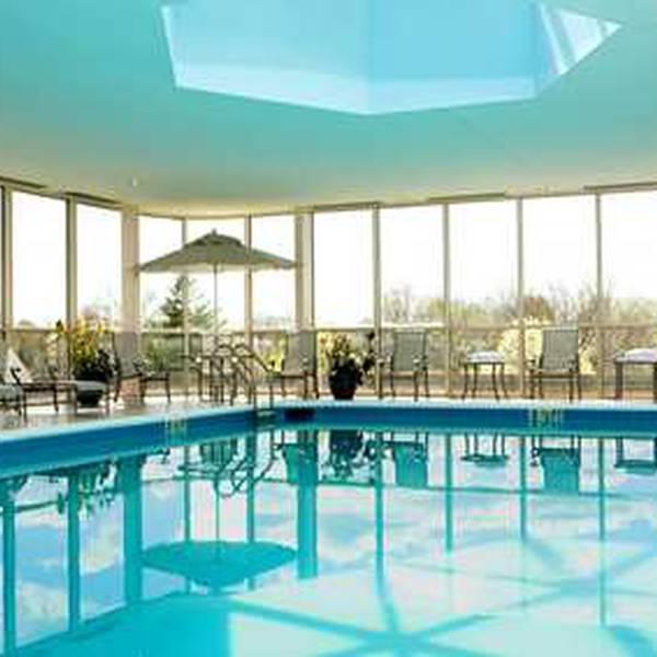 Hilton Newark Airport - pool