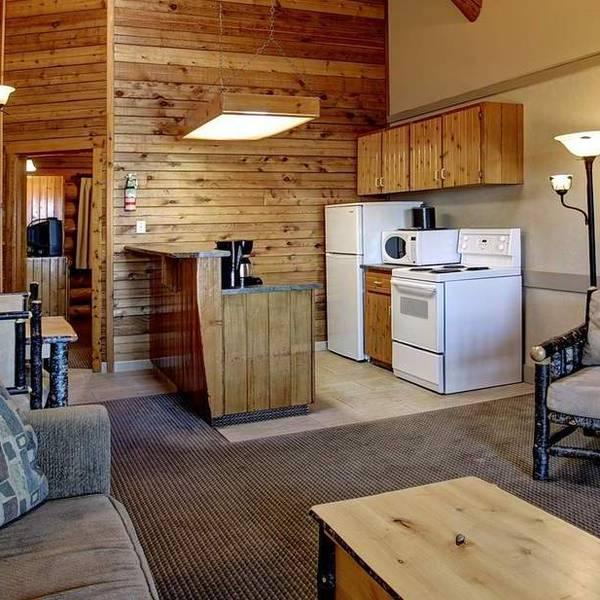 Tigh-Na-Mara Seaside - oceanview suite