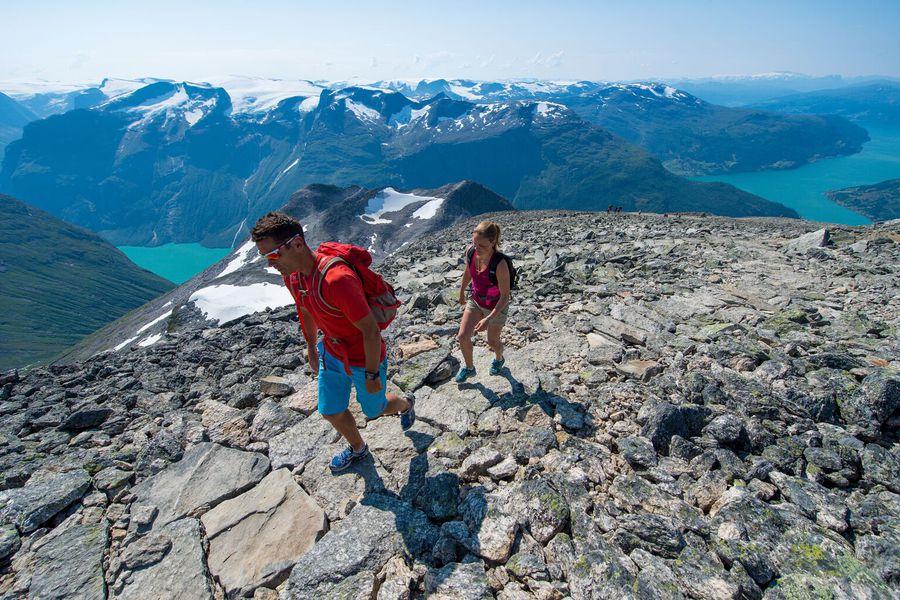 Hiking in Nordfjord - Vakantie Noorwegen - Doets Reizen - Foto Credits Visit Norway