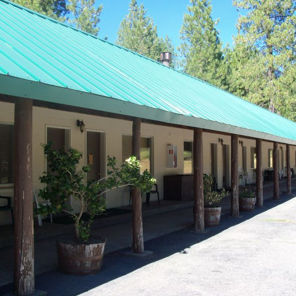 Mineral Lodge - exterior 2