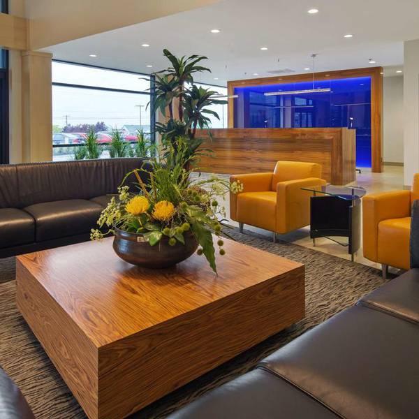 Best Western Plus Hotel Levesque lobby