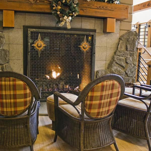Old Faithful Snow Lodge - Fireplace