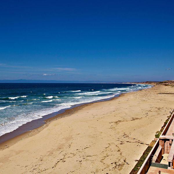 Monterey Tides - Exterior