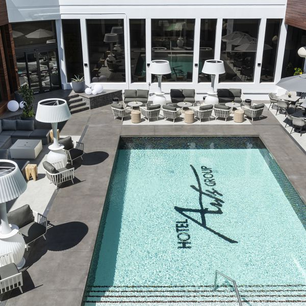 hotel arts calgary pool