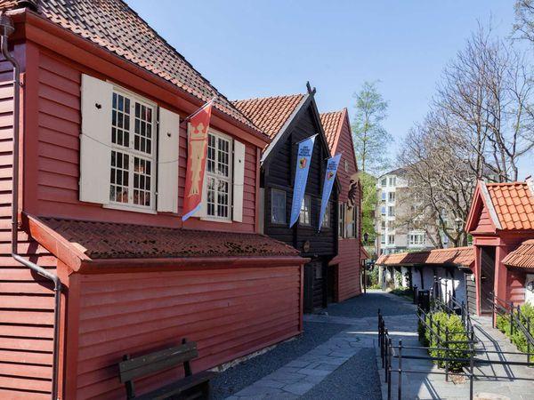 """The Hanseatic Museum and Schøtstuene Bergen - Doets Reizen - Vakantie Noorwegen - Credits VisitBergen 2"""" """"The Hanseatic"""