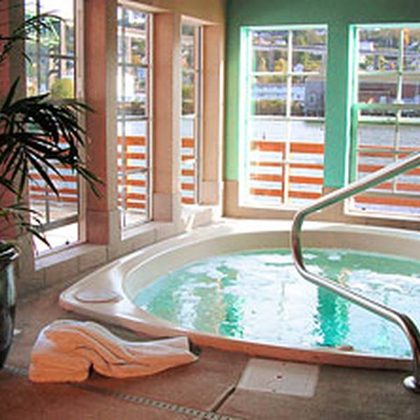 Cannery Pier Hotel - hot tub