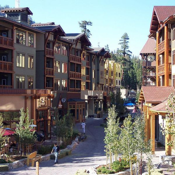 Village Lodging at Mammoth - exterior
