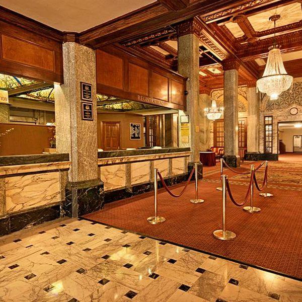 Hotel Whitcomb - lobby