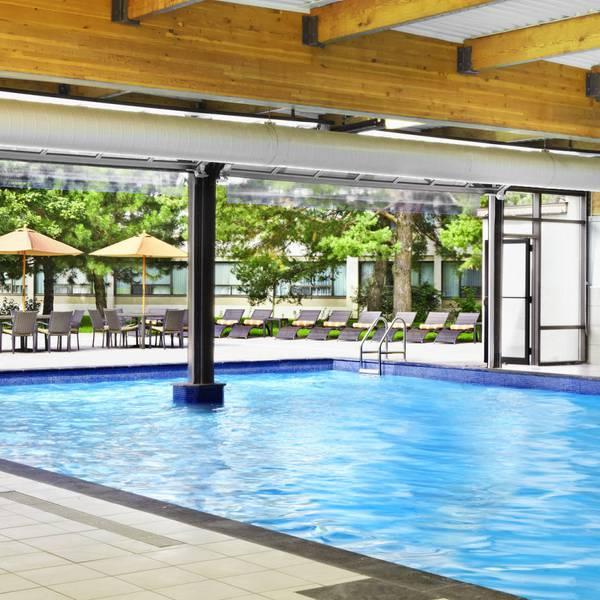 Sheraton Montreal Airport Hotel, saltwater pool