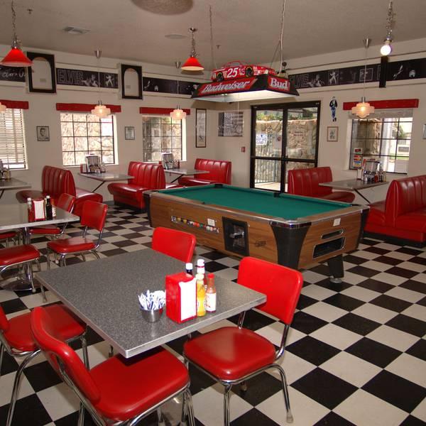Cedar Lodge - diner