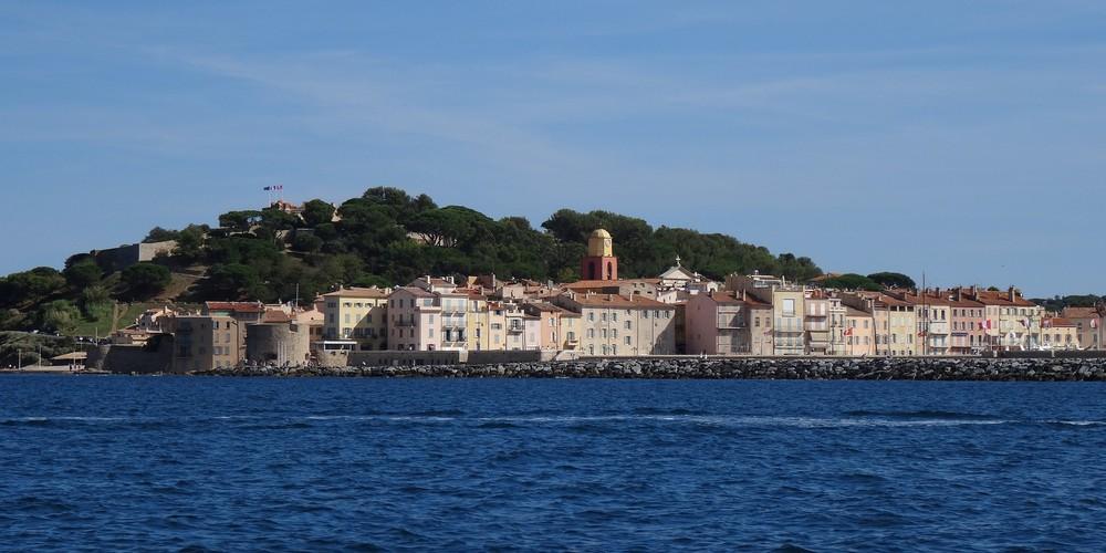 Saint Tropez Doets Reizen afbeelding van Emma Blowers via Pixabay