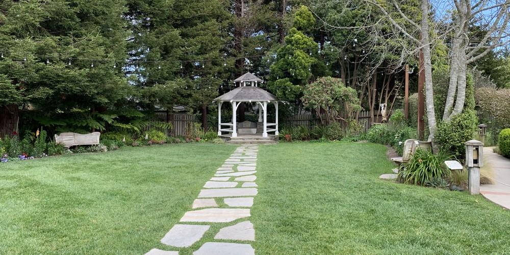 Garden Cambria Pines Lodge