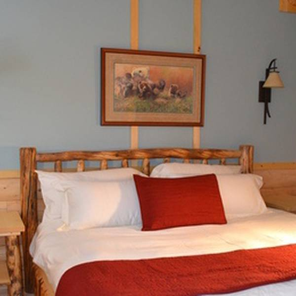Tonglen Lake Lodge - room