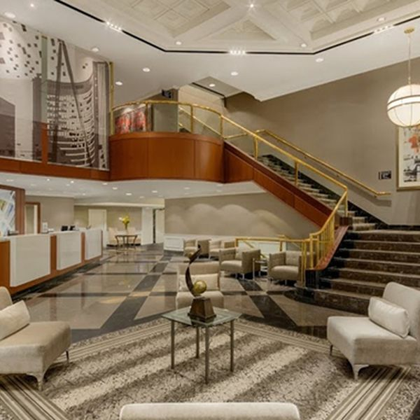 DoubleTree by Hilton Toronto - lobby1