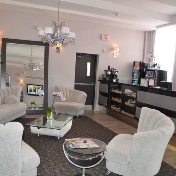 Ocean Five Hotel - lobby