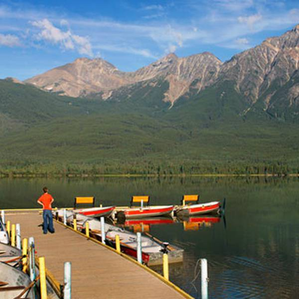Coast Pyramid Lake Resort - lake