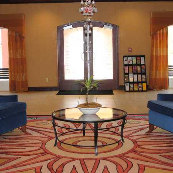Vue Hotel - lobby