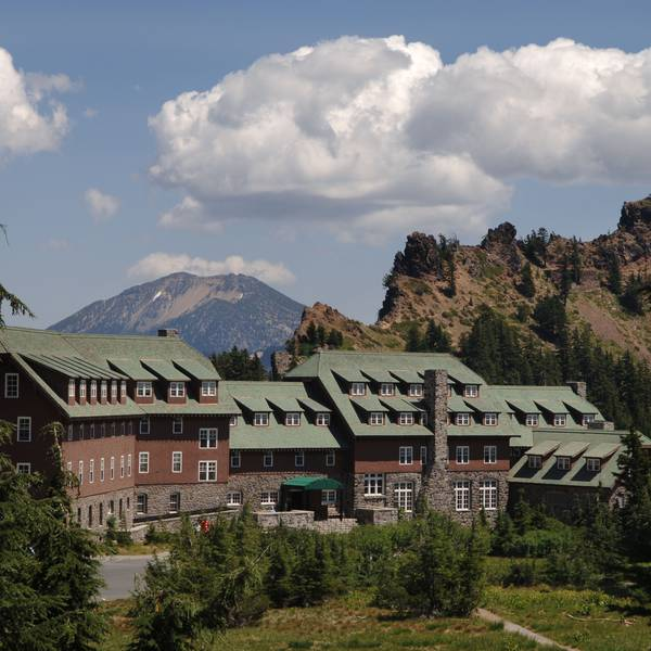 Crater Lake Lodge - exterior 2