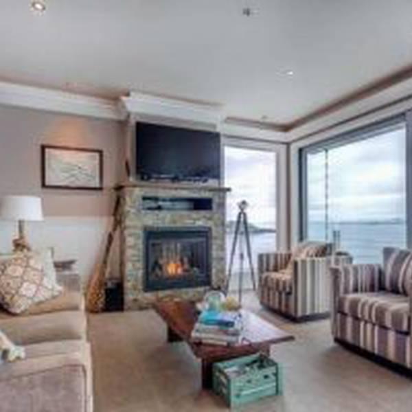 SookePoint Ocean Cottage Resort 2