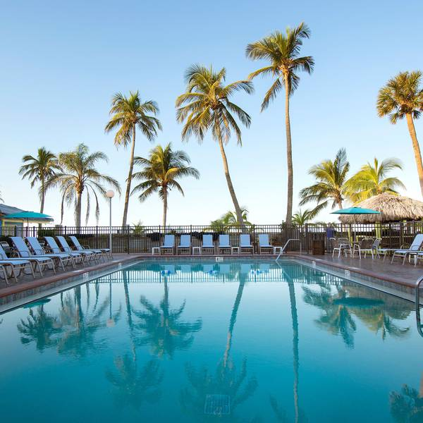 Outriggers Beach Resort - Pool