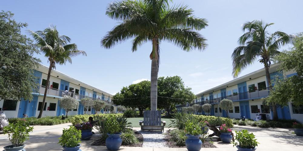 Postcard Inn - St. Pete Beach - Florida - Doets Reizen