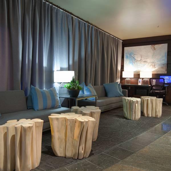 Sandman Inn Kelowna - lobby