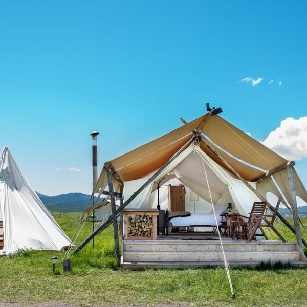 Under Canvas Yellowstone - Dlx Tipi