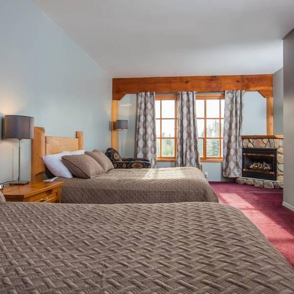 Glacier House Resort Revelstoke - room