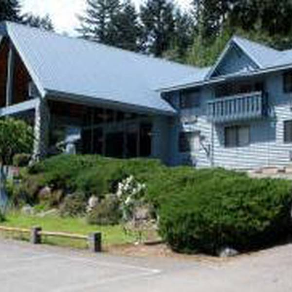 Nisqually Lodge - exterior