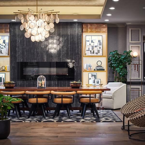 Claridge House - lobby