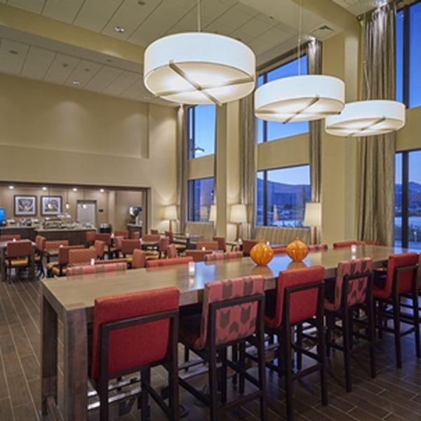 Hampton Inn Hood River - lobby