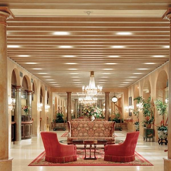 Royal Sonesta Hotel New Orleans - Lobby