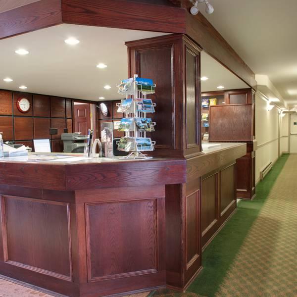 Sandman Inn Smithers - lobby