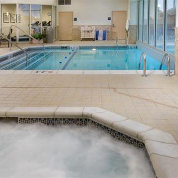 Drury Inn - binnenzwembad