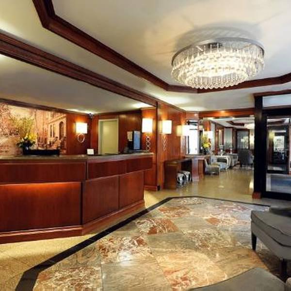 Washington Jefferson - lobby