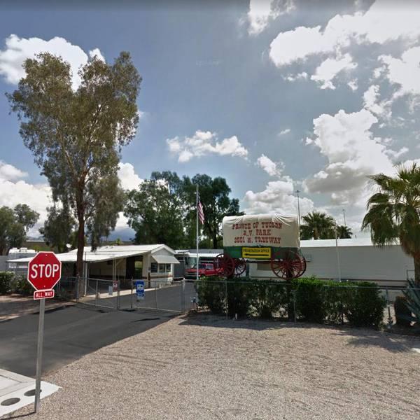 Prince of Tucson RV Park, ingang van de camping