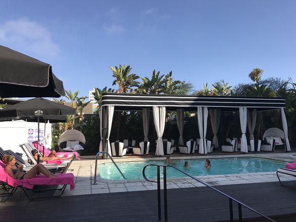 Shangri-LA - pool122