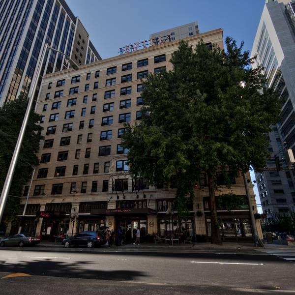 Hotel Max - exterior