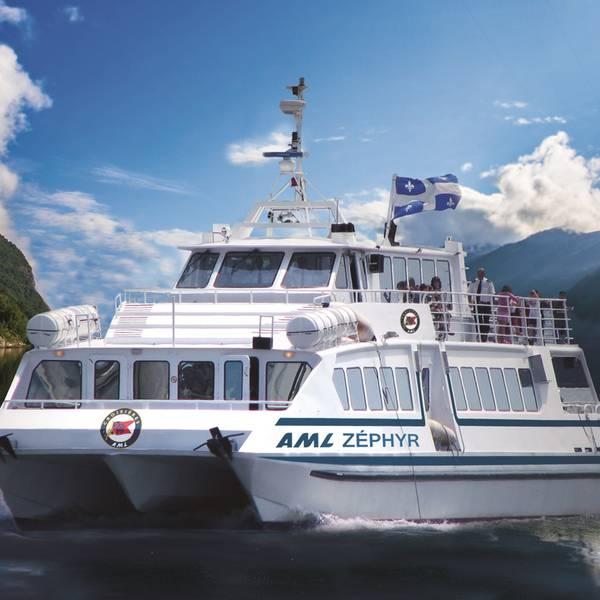 Saguenay Fjord Boat Tour - Tadoussac - Quebec - Canada - Doets Reizen